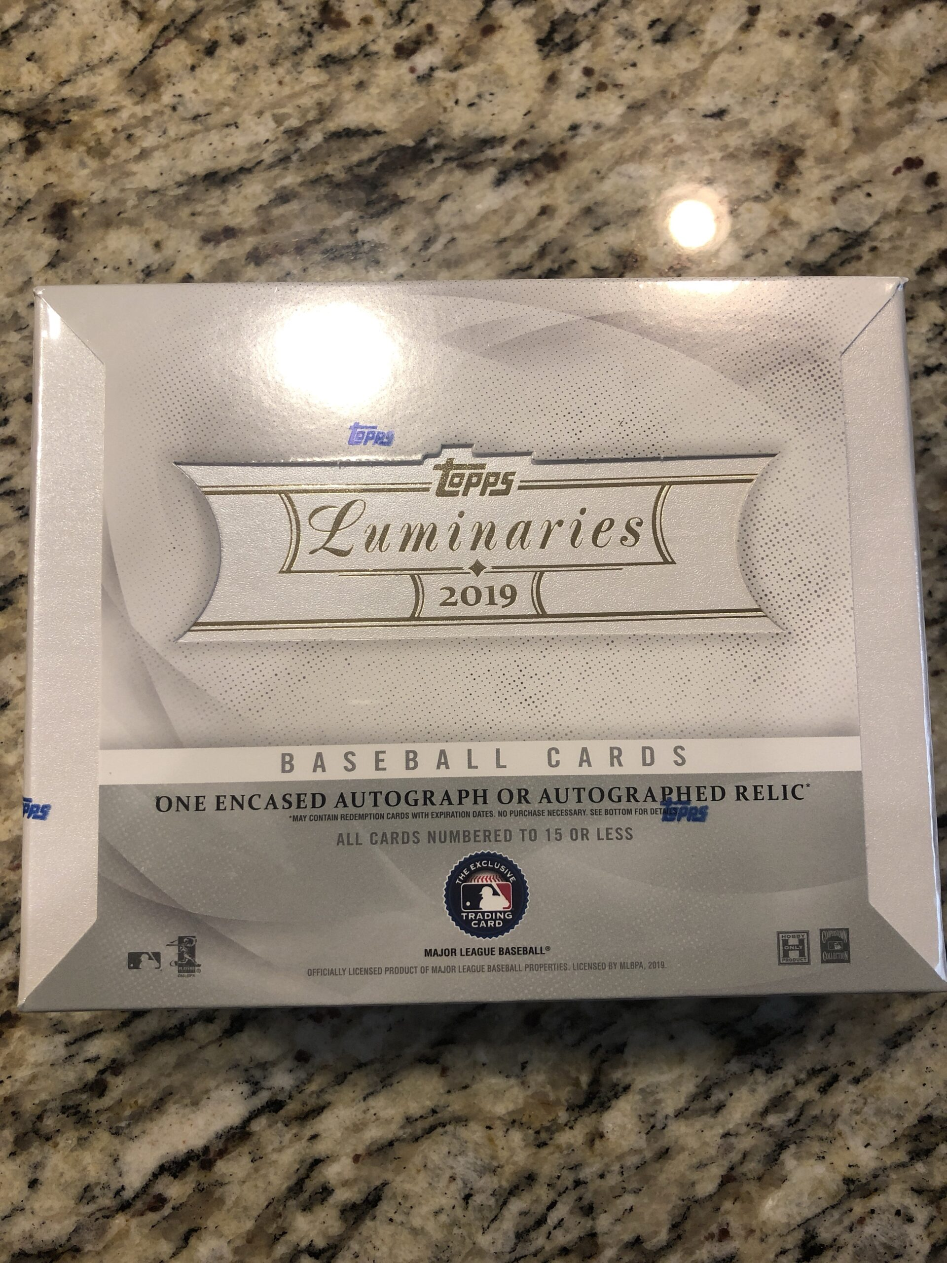 Inside the Pack: 2019 Topps Luminaries Review
